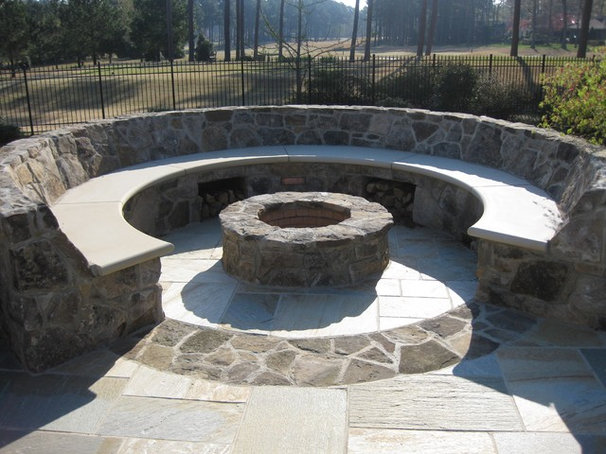 Traditional Pool by Luck Stone Center