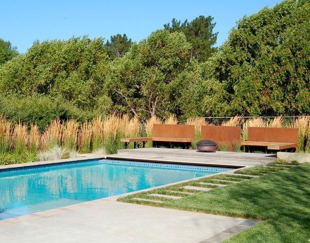 Farmhouse Pool by Huettl Landscape Architecture