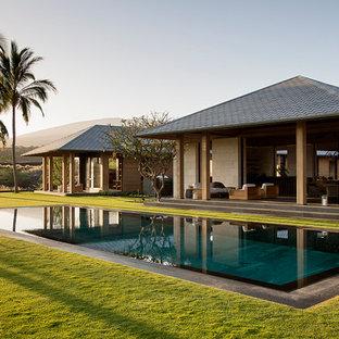 Diseño de piscina infinita exótica