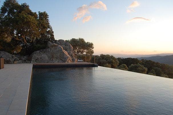 Modern Pool by John Onken Architects