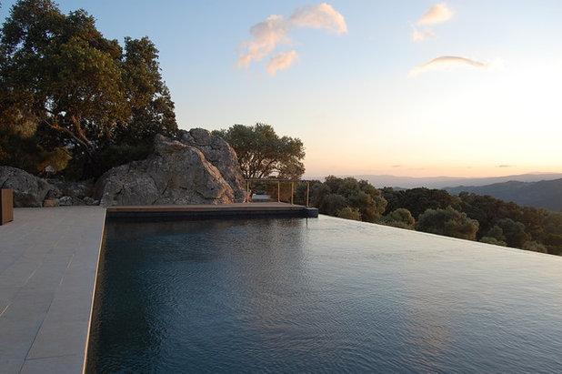 Minimalistisch Pools by John Onken Architects