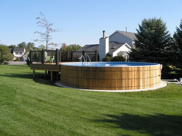 Méditerranéen Piscine by Crestwood Pools, Inc.