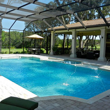 mediterranean pool by Lendry Homes