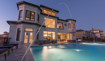 Fountains-3 Story Modern Vacation Home