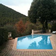 Mediterranean Pool by Rebekah Zaveloff | KitchenLab