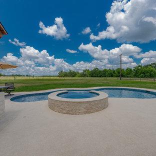 Custom Pool Designs & Outdoor Living