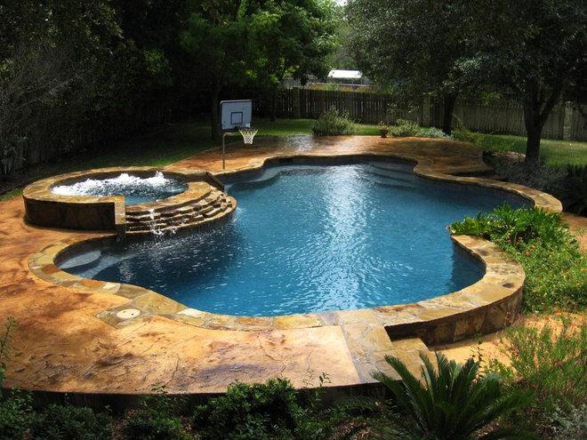 Tropical Pool by Artisan Pool and Spa