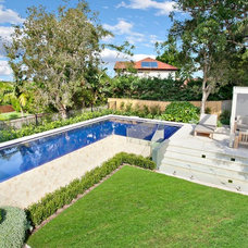 Contemporary Pool by FreeStyle Pools