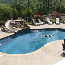 Traditional Pool by LUSK POOLS & LEISURE PRODUCTS