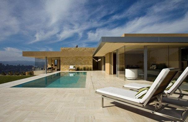 Modern Pool by Jamba Construction