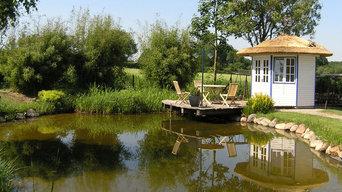 Gartenteich,  Natur Pool mit Badehaus