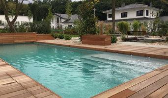 Genuss in vollen Zügen - Pool und Teich aus einem Guss