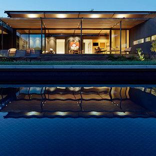 Geometric Pool Tile: Outdoor Swim Pool Installation
