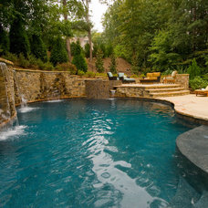 Traditional Pool by Design House, Inc