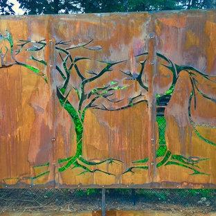 Giant Horse in Tree Screen