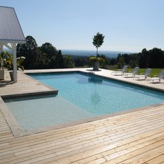 modern pool by Gib-San Pools Ltd.