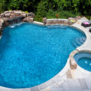 Example of a classic custom-shaped pool design in Toronto
