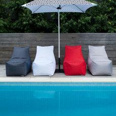 Modern Pool by glammliving