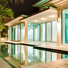 Contemporary Pool by tuthill architecture