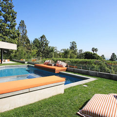 modern pool by Globus Builder