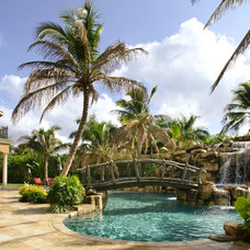 Traditional Pool by Weiss Design Group, Inc.