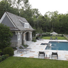 Traditional Pool by Natchez Stone Company, LLC.