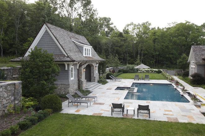 Traditional Pool by Natchez Stone Company, LLC.