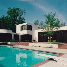 Modern Pool Grunsfeld Shafer Architects › Residence in White