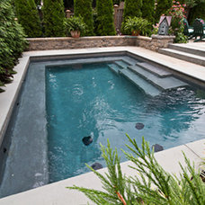 Traditional Pool by Ledden Palimeno Landscape Co.