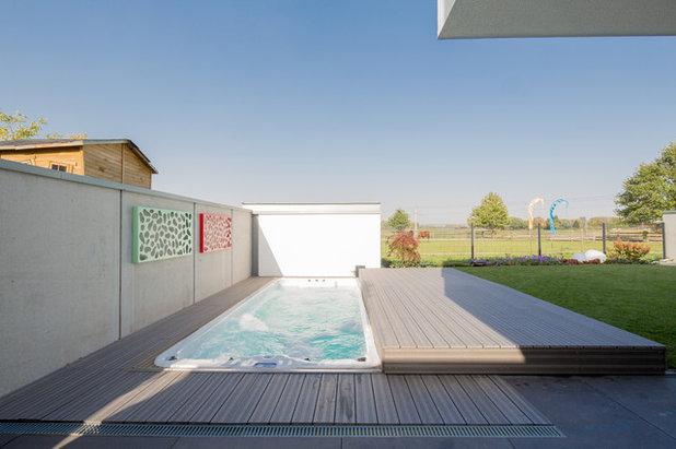 Contemporary Swimming Pool by Ferreira | Verfürth Architekten