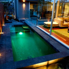 Contemporary Pool by JDLDESIGN