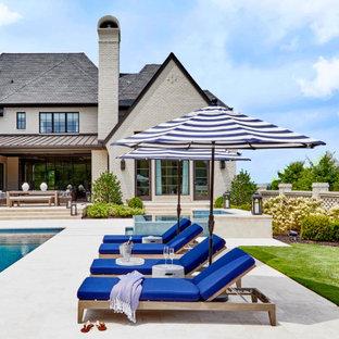 Идея дизайна: прямоугольный бассейн в стиле современная классика