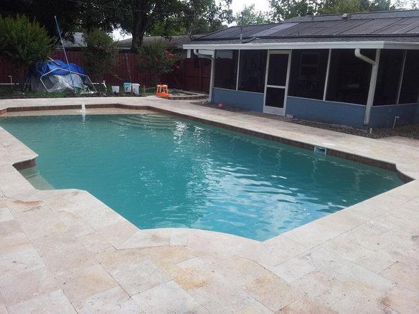 Contemporary Pool by Blue Diamond Pool Designs, Inc.