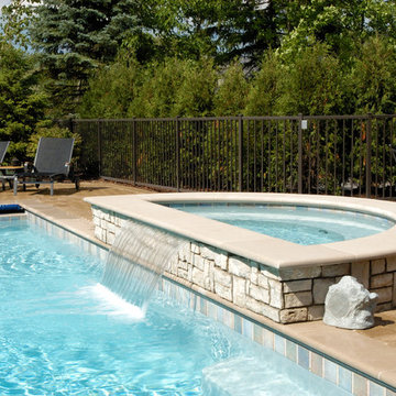 Highland Park Swimming Pool and Raised Hot Tub