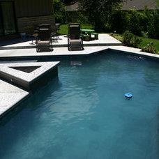 Modern Pool by Simply Dennis