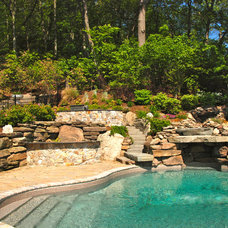 Traditional Pool by Hoffman Grayson Architects LLP