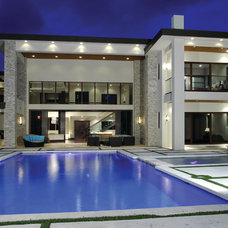 Contemporary Pool by Barron Development Corp.