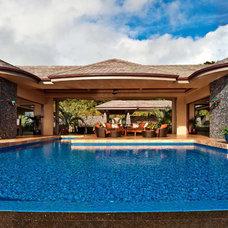 Tropical Pool by Rick Ryniak Architects