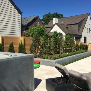Horizontal Fence & Landscape around Pool