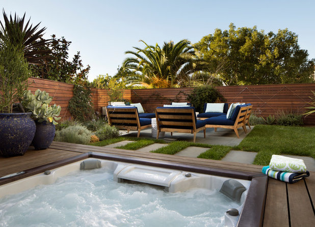 Contemporary Pool by Jeff King & Company