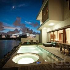 Modern Pool by Taö Architecture Studio