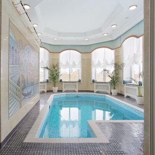 Ejemplo de piscina tradicional interior