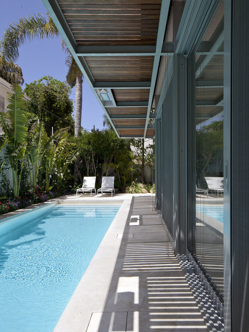Courtyard pool design ideas pictures remodel decor for Pool design houzz
