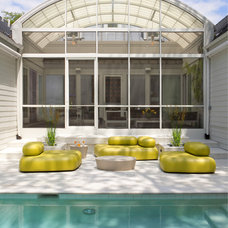 Transitional Pool by Anthony Wilder Design/Build, Inc.