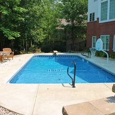 Traditional Pool by Angie's Pool & Spa, Inc.