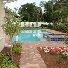 Traditional Pool by Pool Pros Inc.
