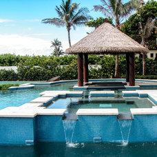 Tropical Pool by The Tiki Hut Company