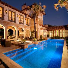 Mediterranean Pool by Archiverde Landscape Architecture
