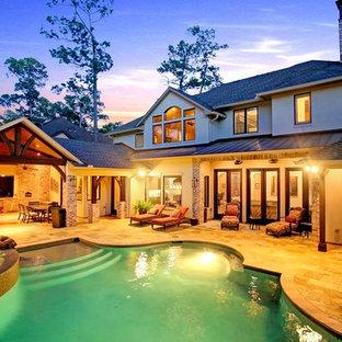 Diseño de piscina rústica grande