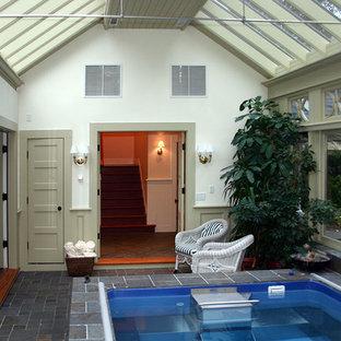 Foto de casa de la piscina y piscina elevada, tradicional, pequeña, interior y rectangular, con adoquines de piedra natural